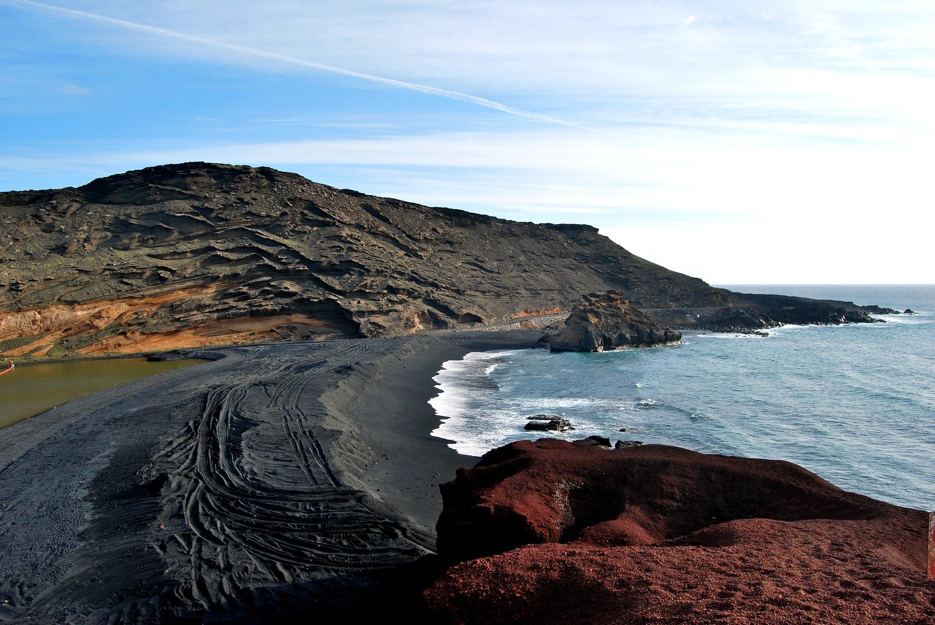 Segeln auf den Inseln des ewigen Frühlings: Ein Yachtcharter auf Lanzarote